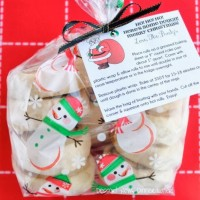 Cinnamon Rolls Neighbor Gift