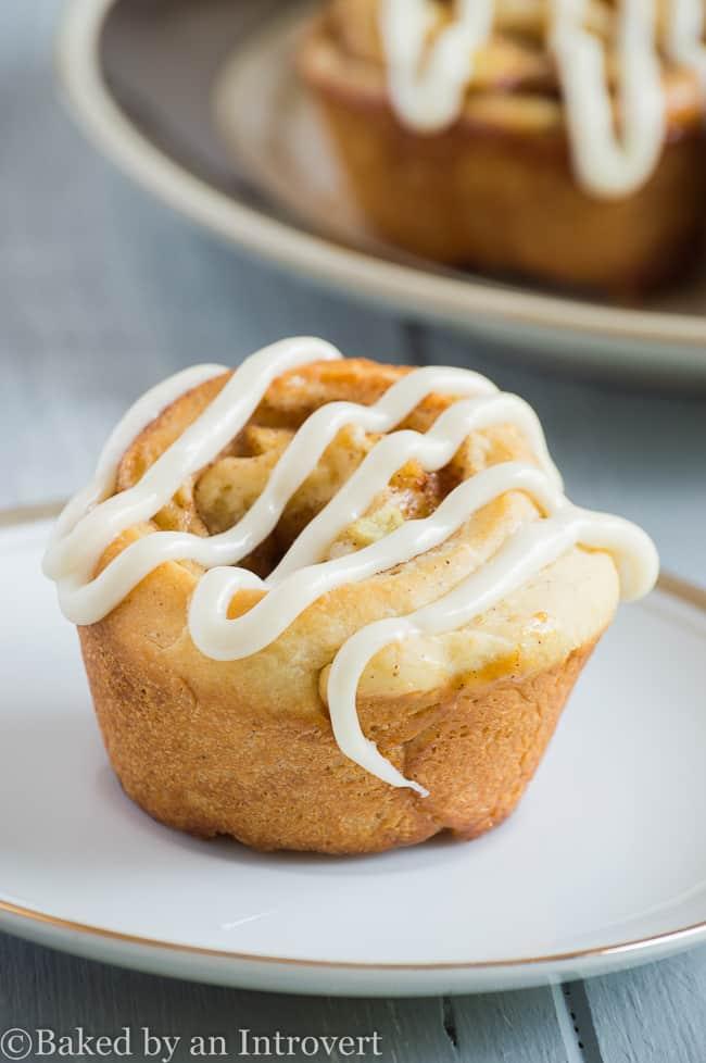 glazed-apple-cinnamon-rolls