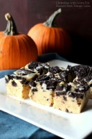 Pumpkin Oreo Fudge - A quick and easy fudge recipe. No candy thermometer required!
