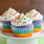 Rainbow Cupcakes (+ Video)