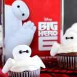 Baymax Cupcakes {Big Hero 6}
