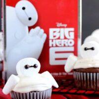 Baymax Cupcakes {Big Hero 6}
