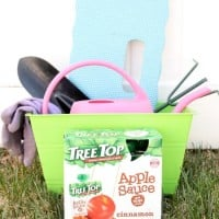 Tree Top Apple Sauce Pouches, Gardening, and a GIVEAWAY!