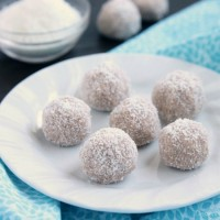 No-bake Coconut Snowballs are simple and delicious! The perfect healthy dessert to curb that sweet tooth craving! Bonus: They're egg, dairy, and gluten free!