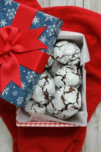 Chocolate Crinkle Cookies // One Sweet Appetite