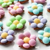 Flower Pretzel Bites are sweet, salty, and delicious - an easy and fun treat for Easter, Spring, or Mother's Day.