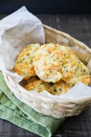 Red Lobster Cheddar Bay Biscuits (+ Video)