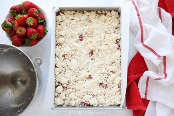 Remaining crumb streusel sprinkled over the top of the strawberries prior to baking.
